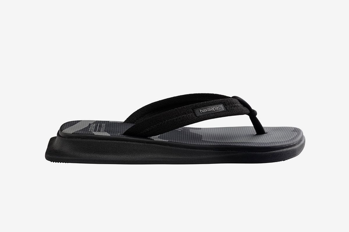 Mastermind x Havaianas' Collab Will Convert You to Flip Flops 20