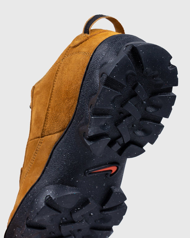 Nike ACG — W Nike Lahar Low Wheat - Image 5