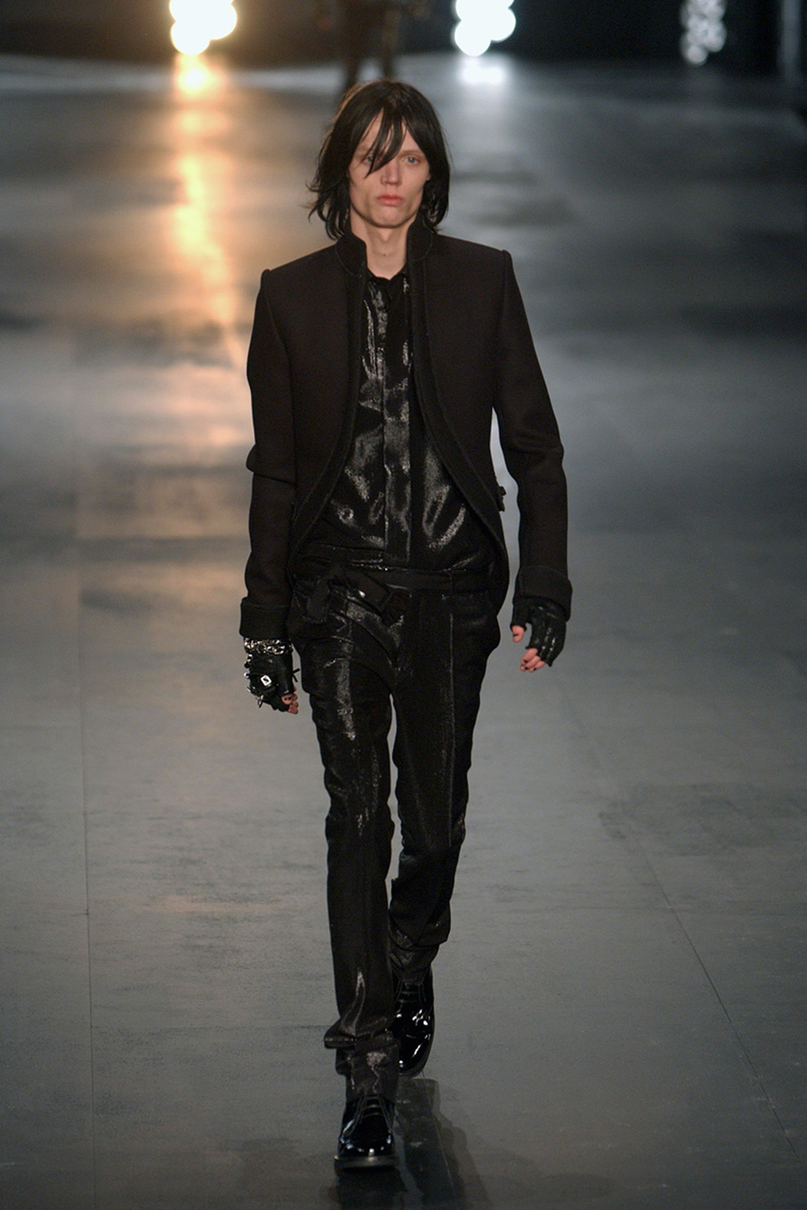the-12-fashion-shows-that-changed-mens-fashion-dior-homme-05