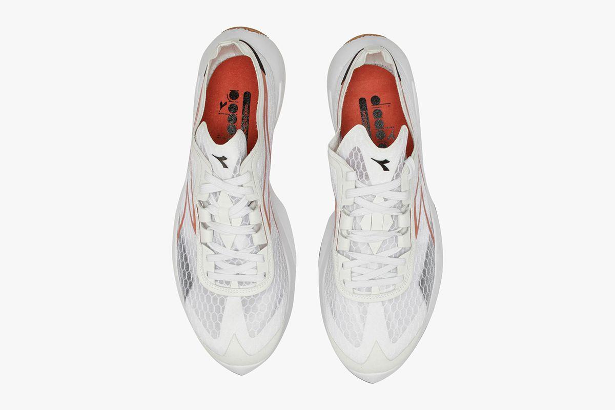 Junya Watanabe Resurrects a Forgotten New Balance & Other Sneaker News Worth a Read 44