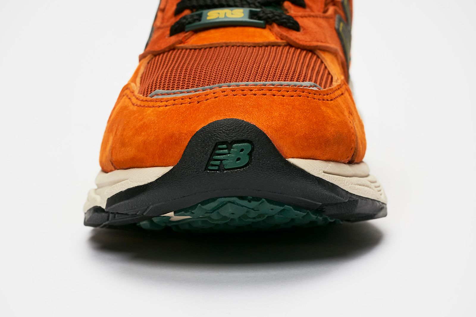 sns-new-balance-920-release-date-price-04