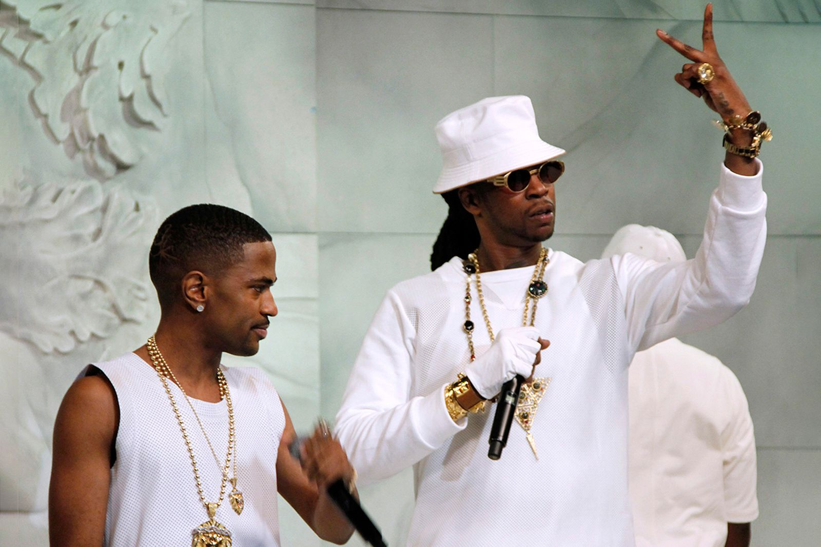 "Big Sean and 2 Chainz visit BET's ""106 & Park"""