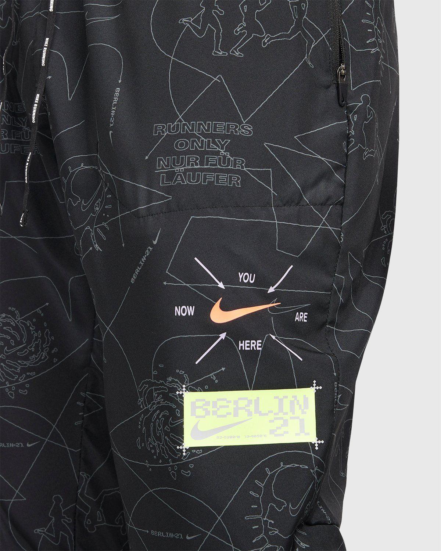Nike x Highsnobiety – Men Dri-Fit Berlin Phenom Elite Pant  - Image 4