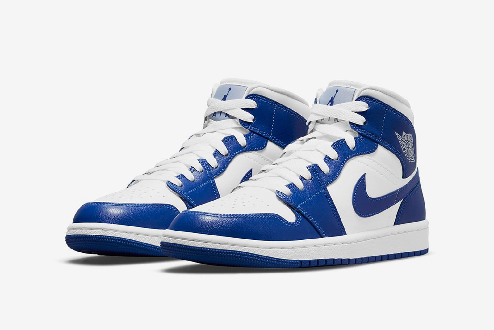 daily-sneaker-roundup-5-18-2021-1-03