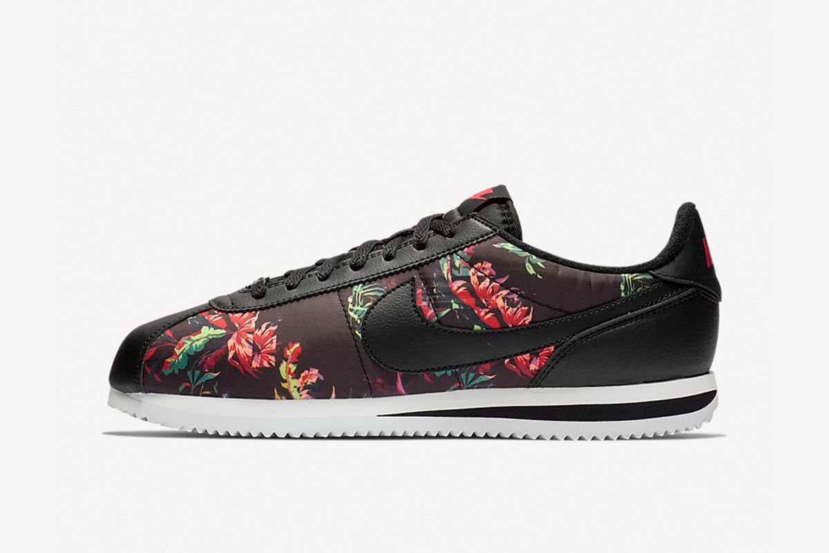 Nike Sneakers Are on Sale at Under 40 Bucks Here 3
