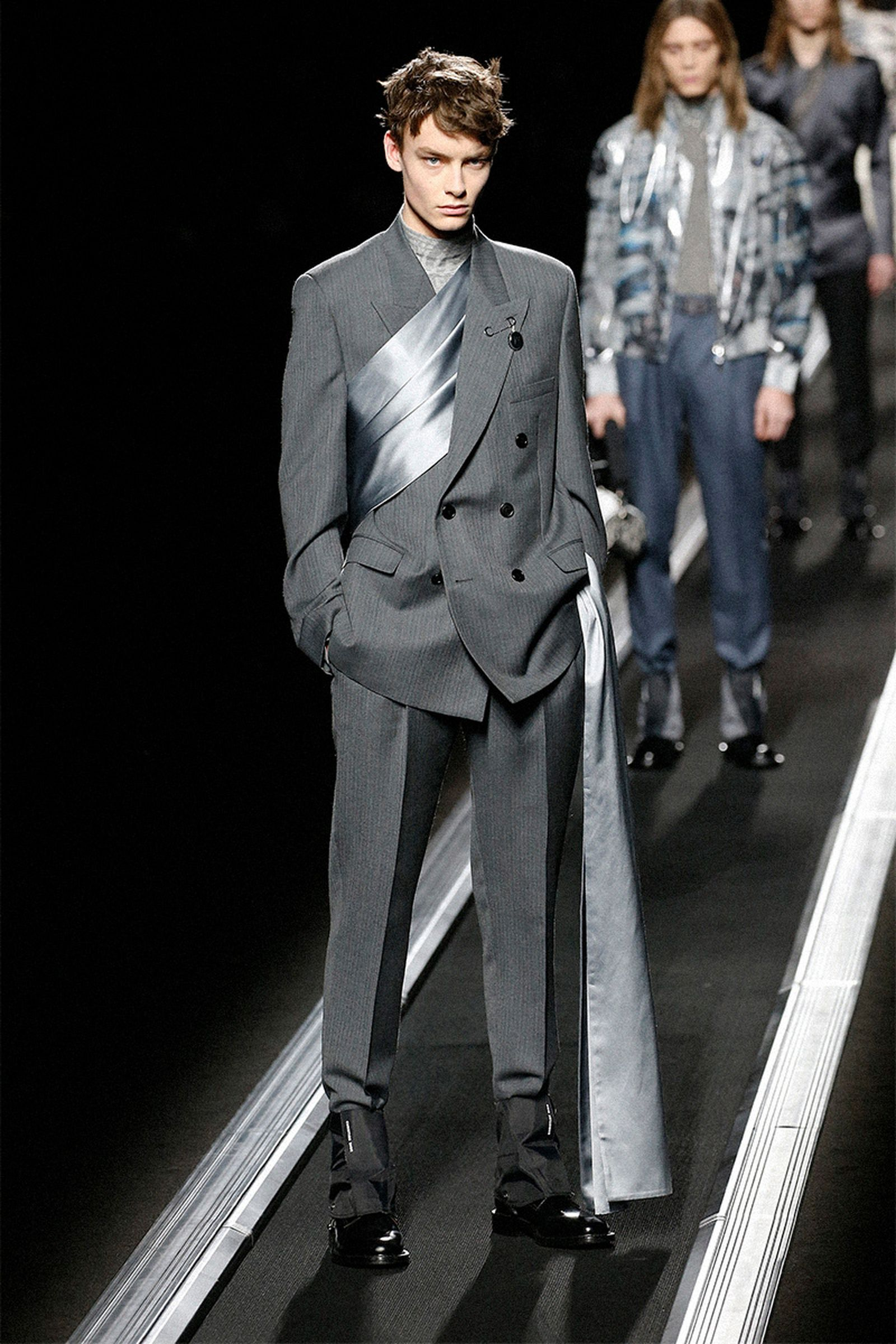 dior-homme-conspiracy-theory-batman-tenet-trailers-11