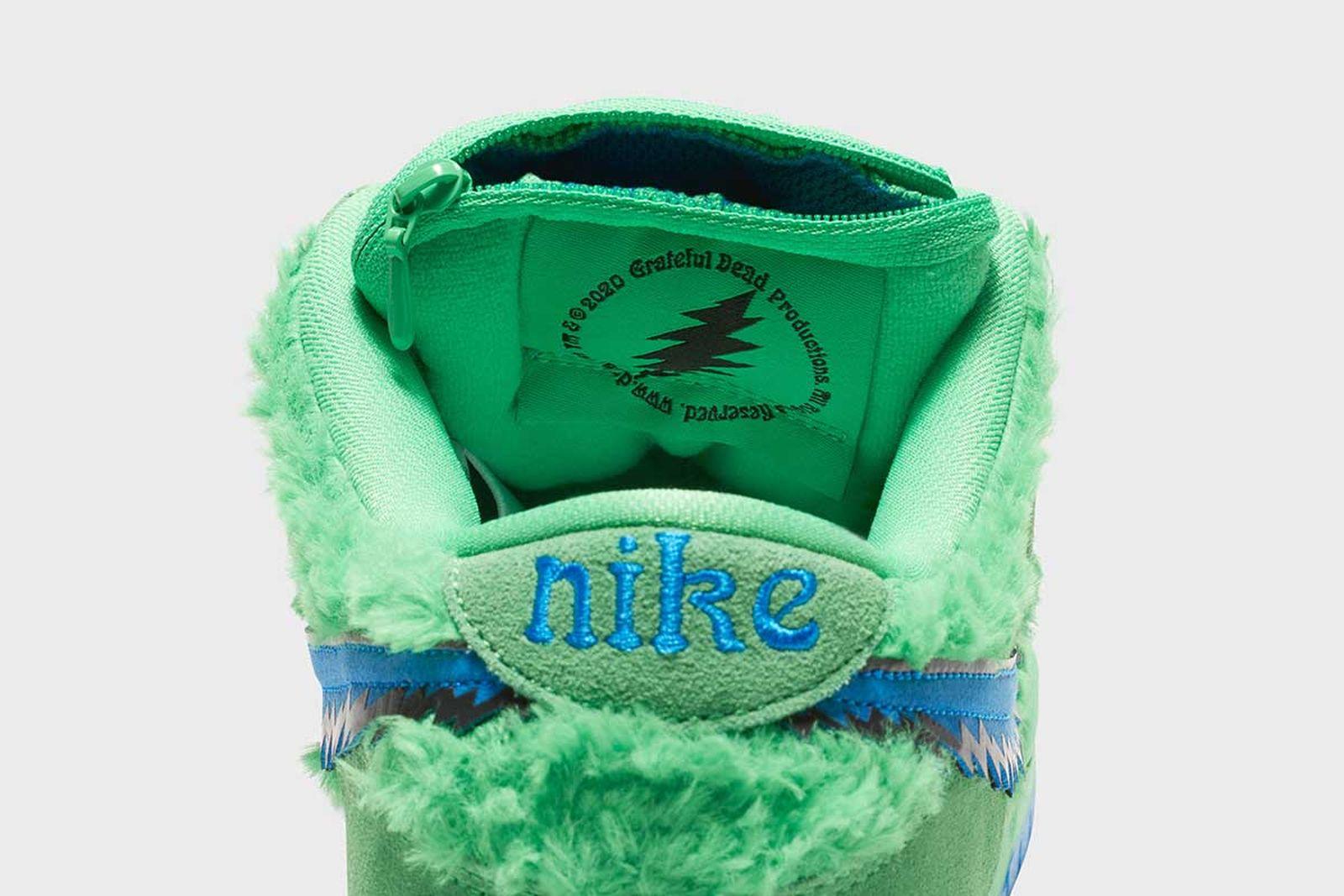 "Nike SB Dunk Low ""Grateful Dead"""