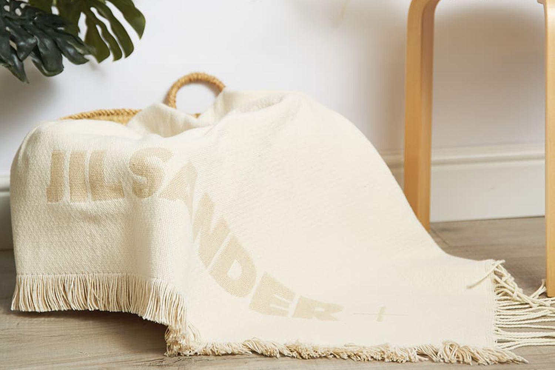 Oversize Logo Blanket