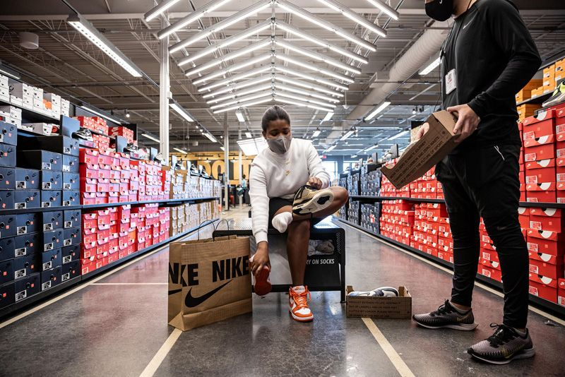 Nike Is Launching Its Own Reselling Business (Kinda) 31