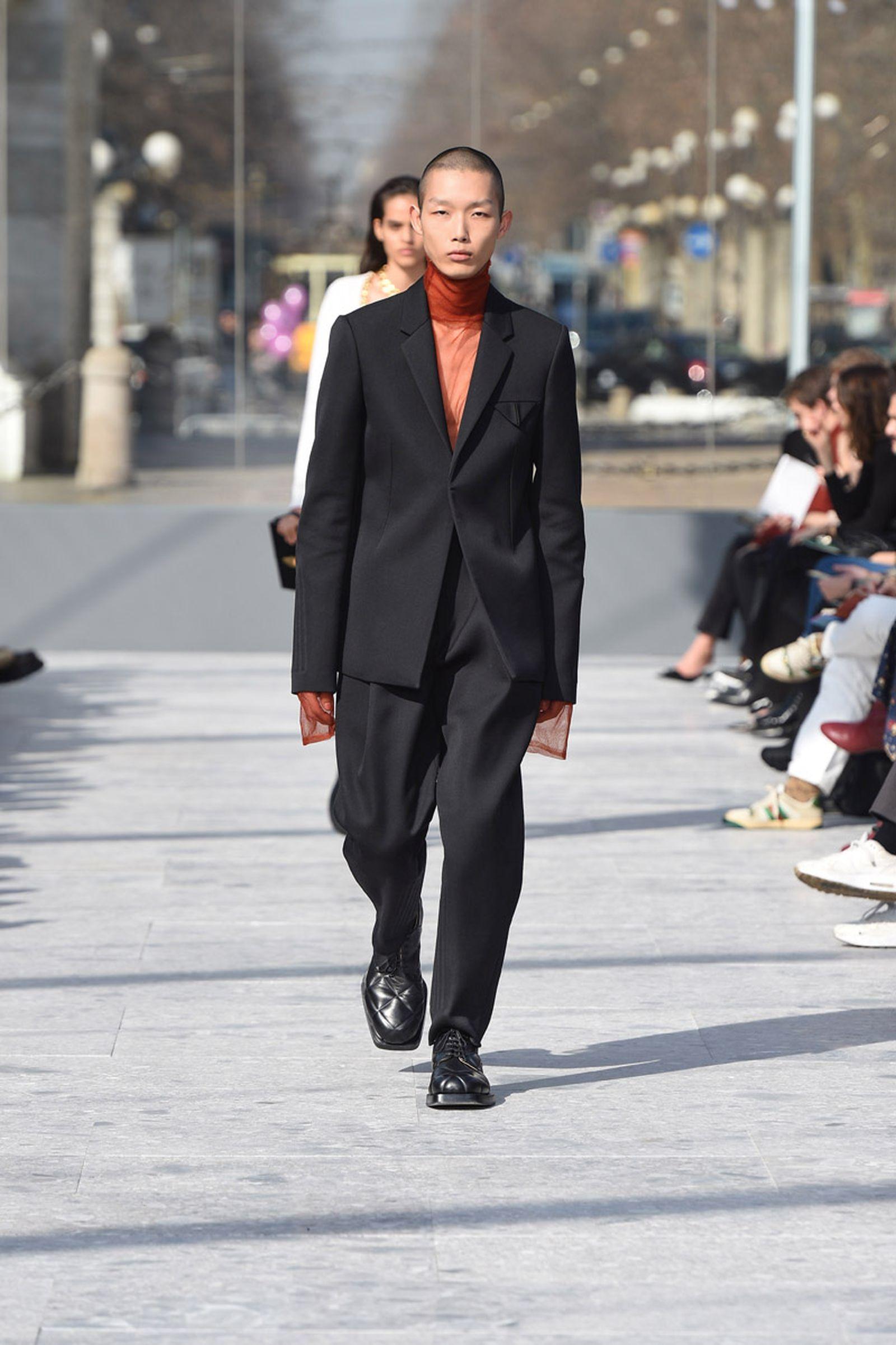 bottega-veneta-is-bringing-timeless-luxury-back-to-fashion-02