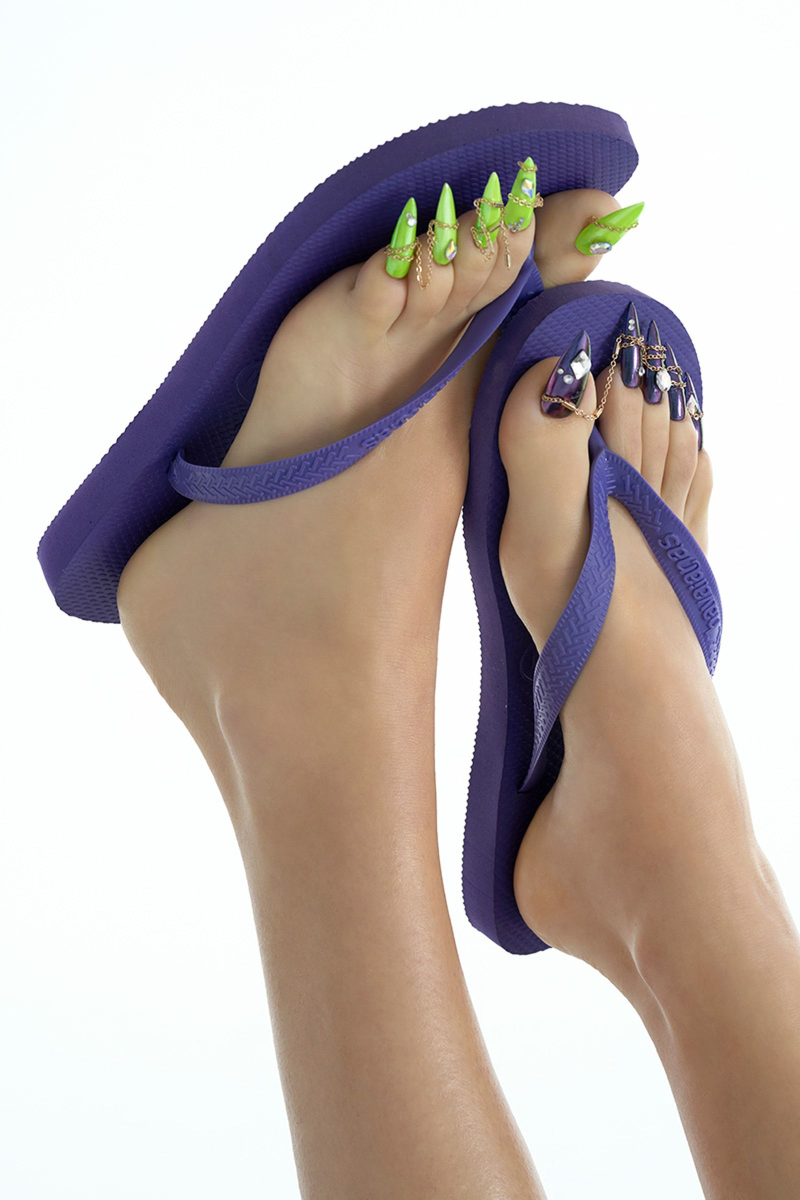 how-to-pull-off-a-flip-flop-pedicure-01