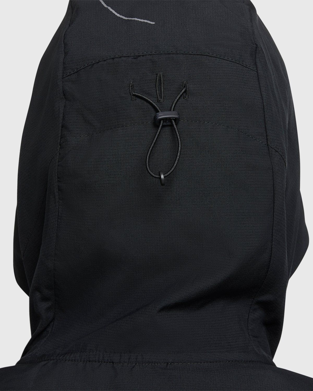 Nike x Highsnobiety – Womens Impossibly Light Berlin Jacket Black - Image 9