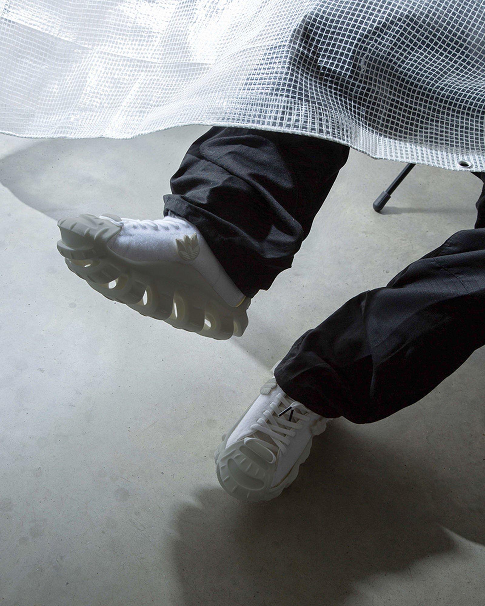 mr-bailey-ammonite-adidas-superstar-05