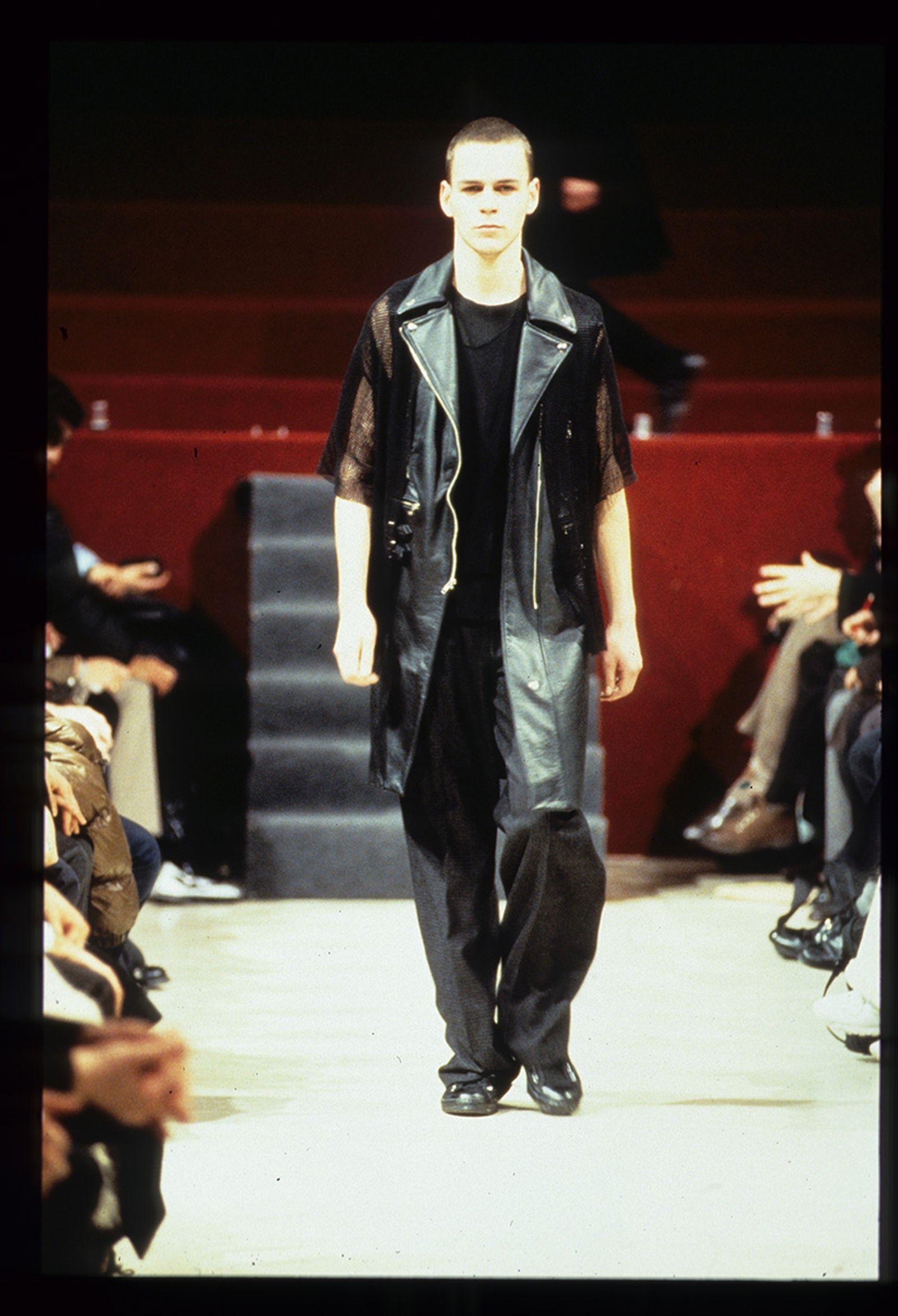 the-12-fashion-shows-that-changed-mens-fashion-raf-simons-aw98-03