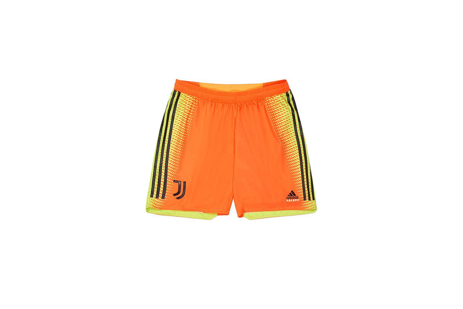 Palace-2019-Adidas-Juventus-Short-Training-pink--19611