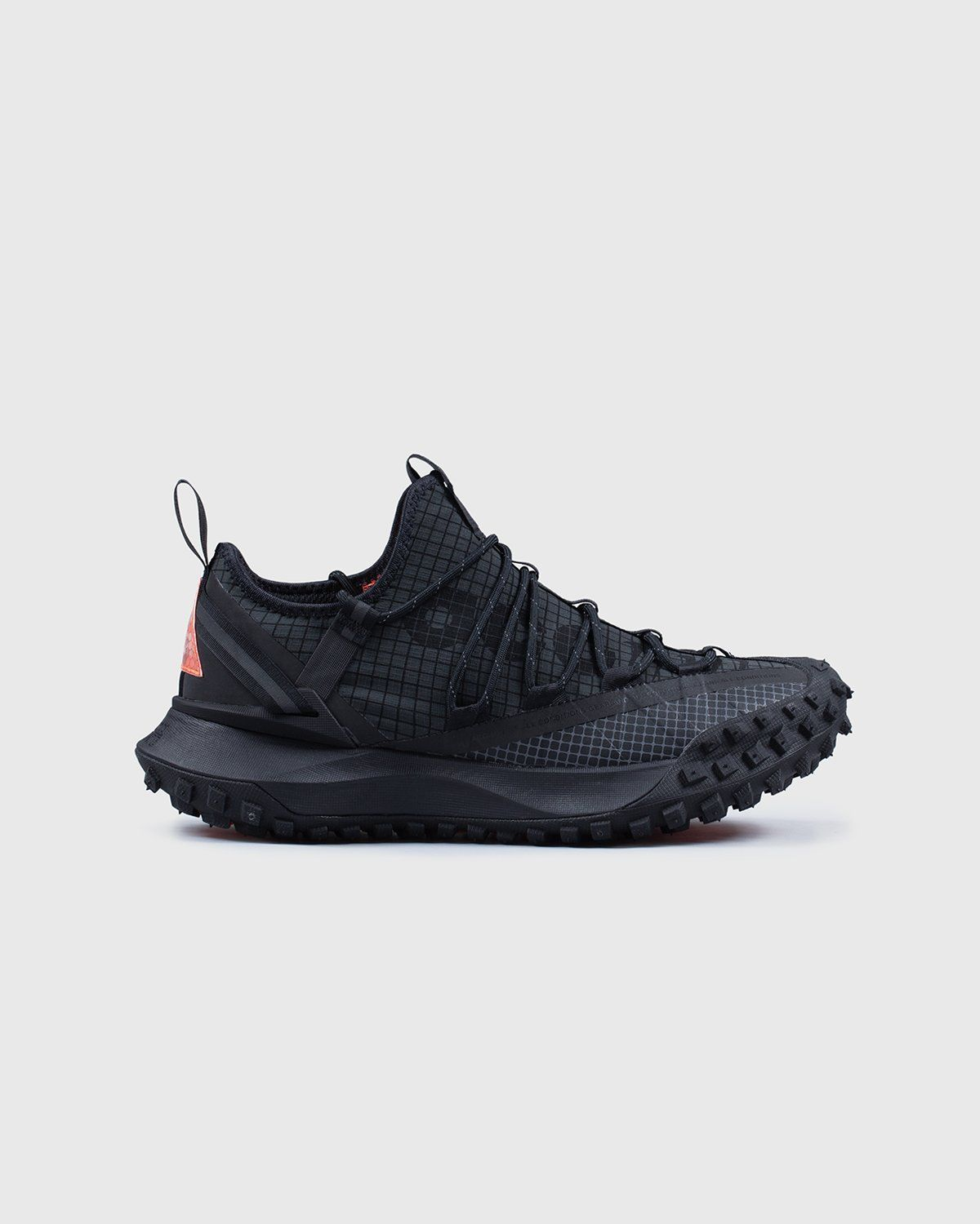 NIKE ACG - ACG MOUNTAIN FLY LOW ANTHRACITE - Image 1