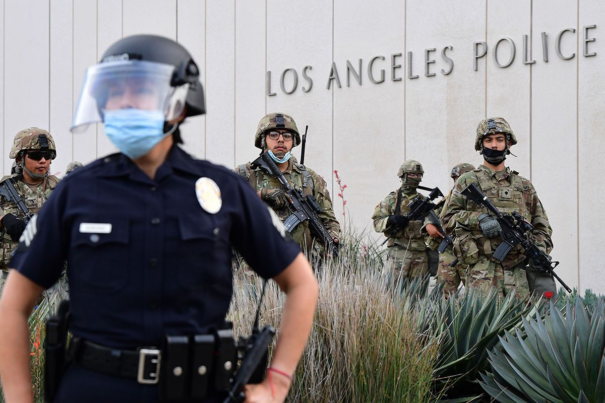 Los Angeles Cutting Up to $150 Million From LAPD Budget