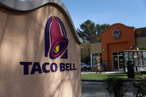 Taco Bell Opening A Hotel & Resort In Palm Springs