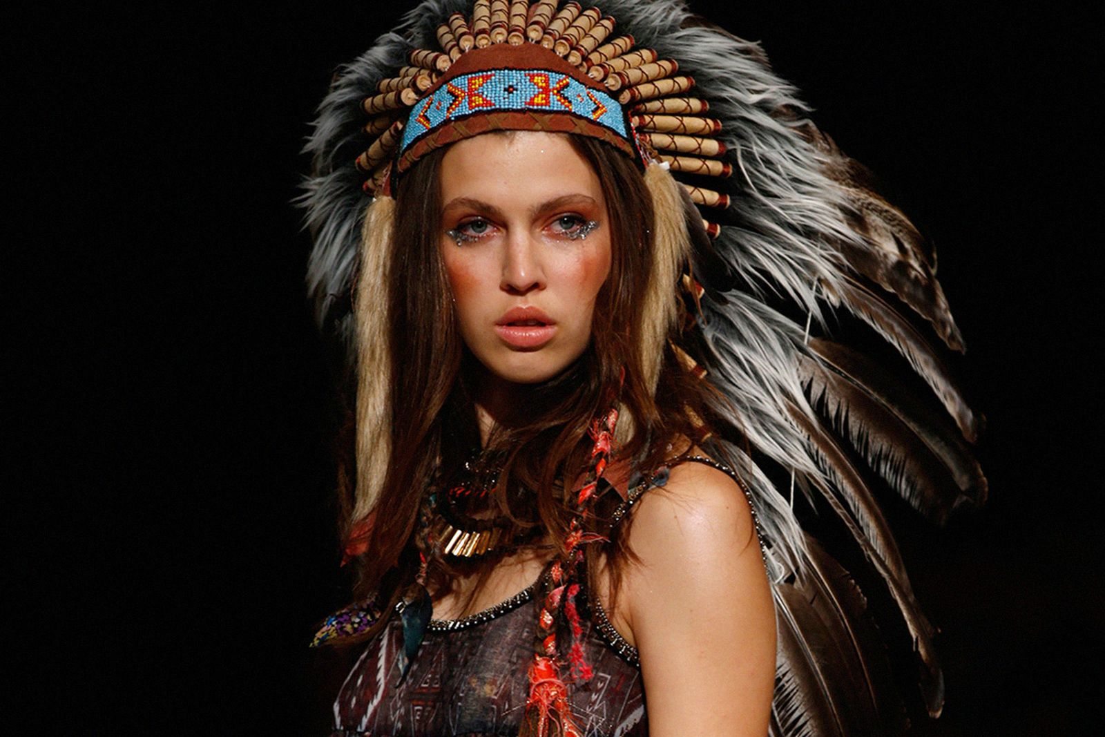 native american cultural appropriation Main Pharrell Williams coachella gwen stefani