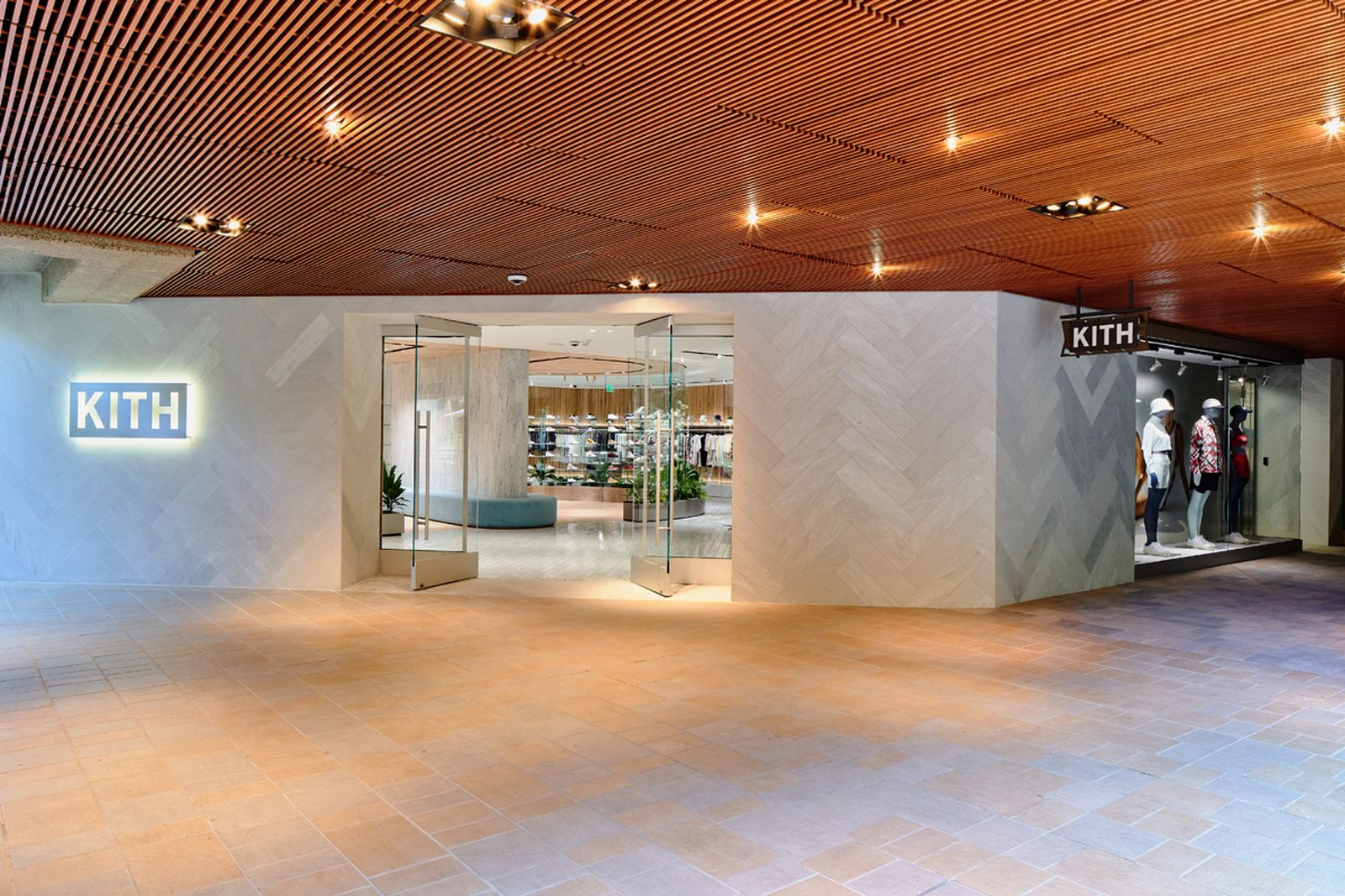 kith-hawaii-store-inside-air-force-1 (18)