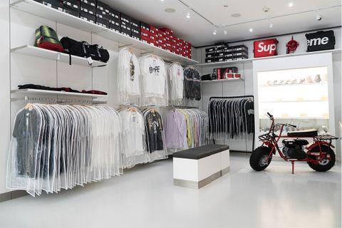 best vintage stores berlin AMEX american express platinum fashion