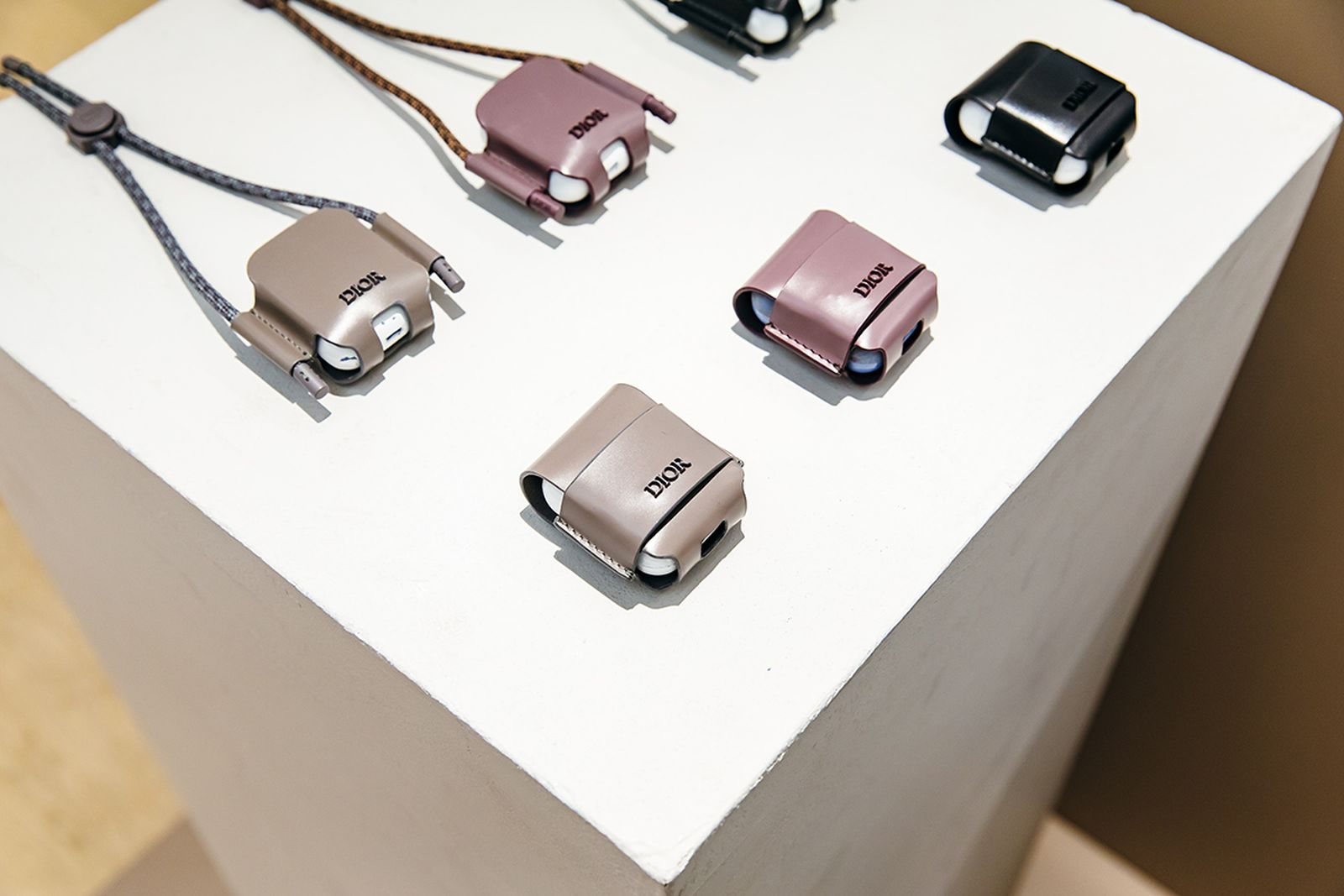 MFW19 Paris Dior ReSees Accessories JulienTell 08 kim jones pfw