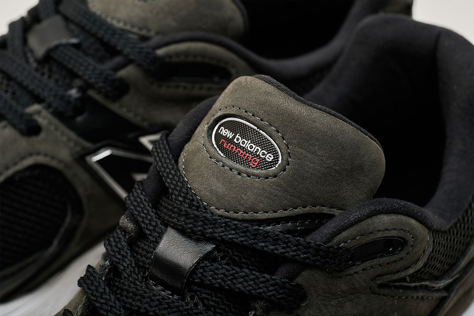 new-balance-2002r-release-date-price-06