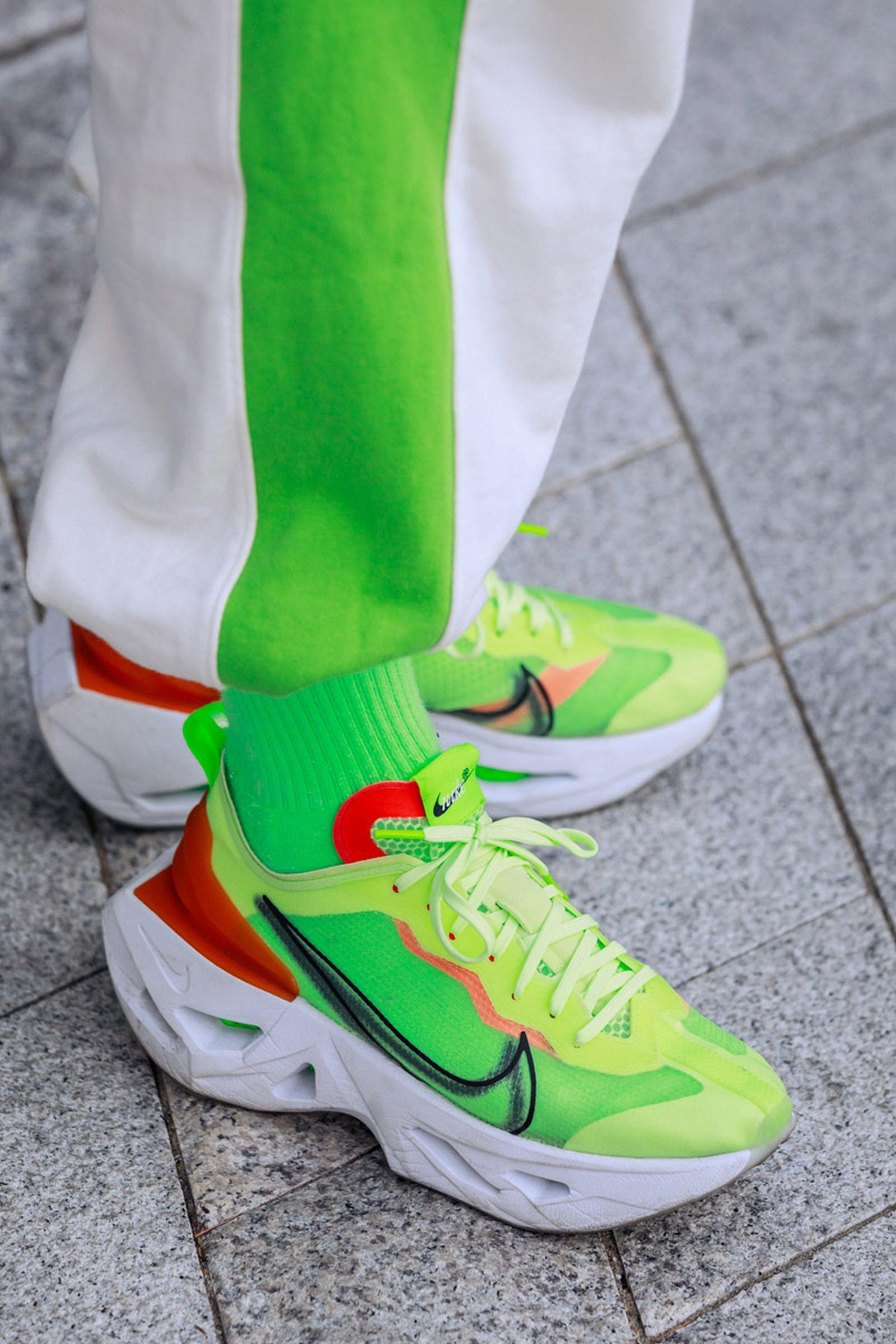 seoul-fashion-week-sneaker-street-style-ss20-15