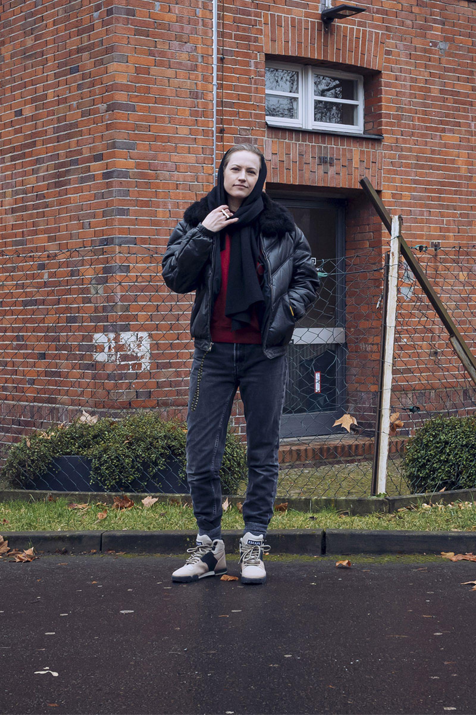 beinghunted-@sneakerqueen-800x1200