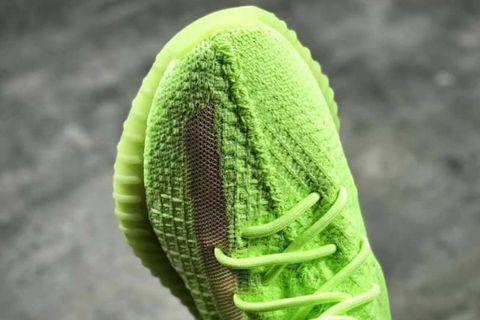 "59d8e6e96adb adidas Originals YEEZY Boost 350 V2 ""Glow in the Dark""  Leaked Info"