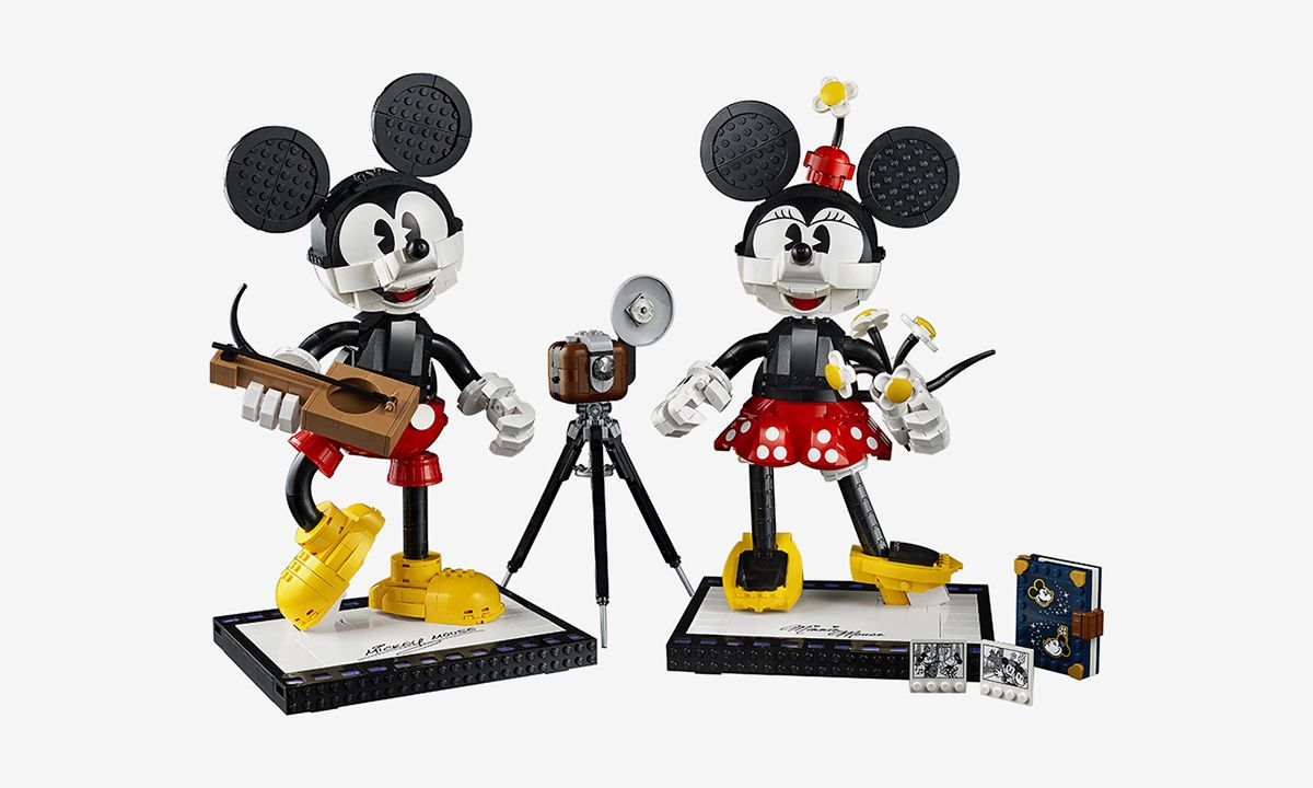 LEGO Unveils Mickey Mouse & Minnie Mouse Collectible Set