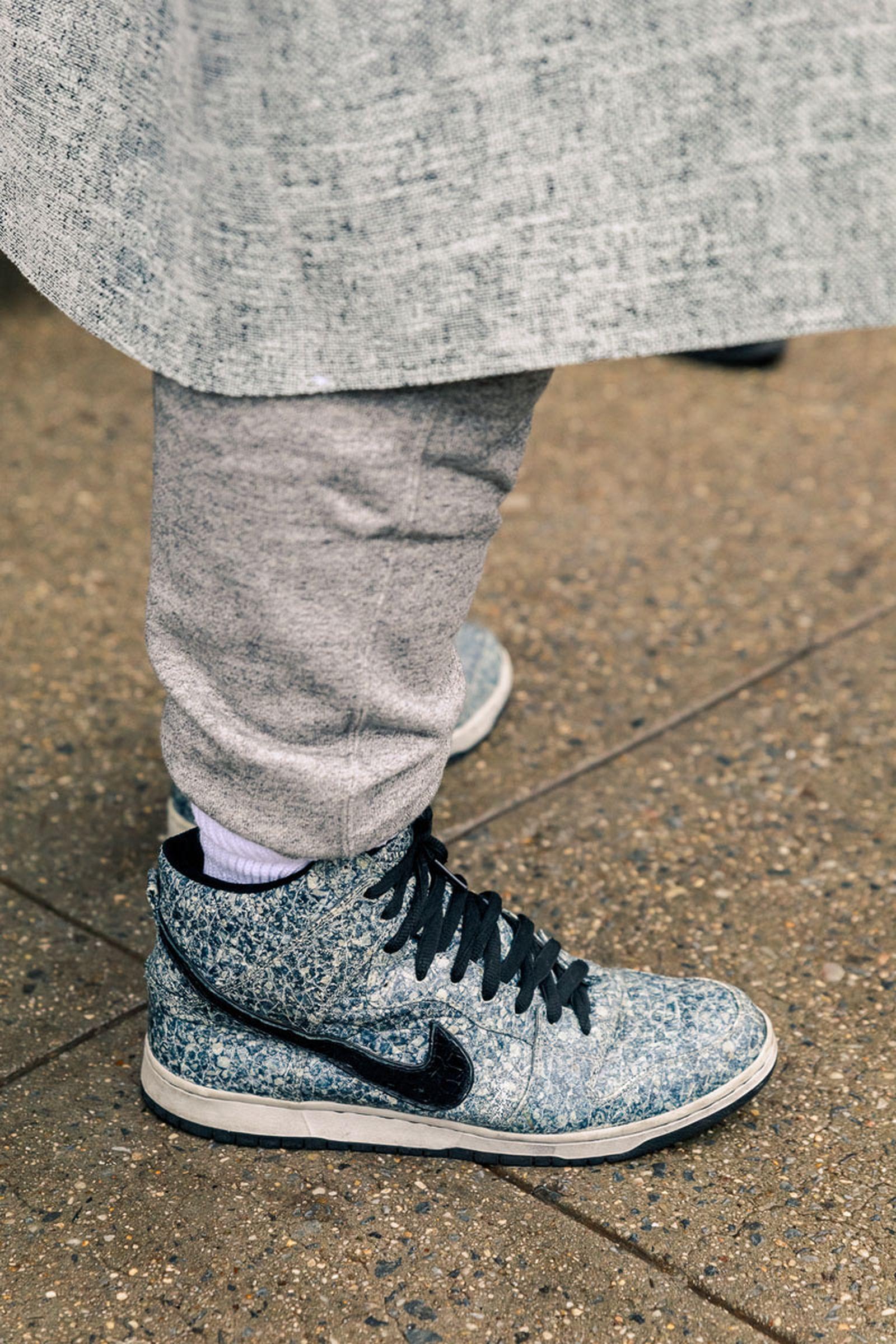 new-york-fashion-week-mens-fw20-sneaker-street-style-04