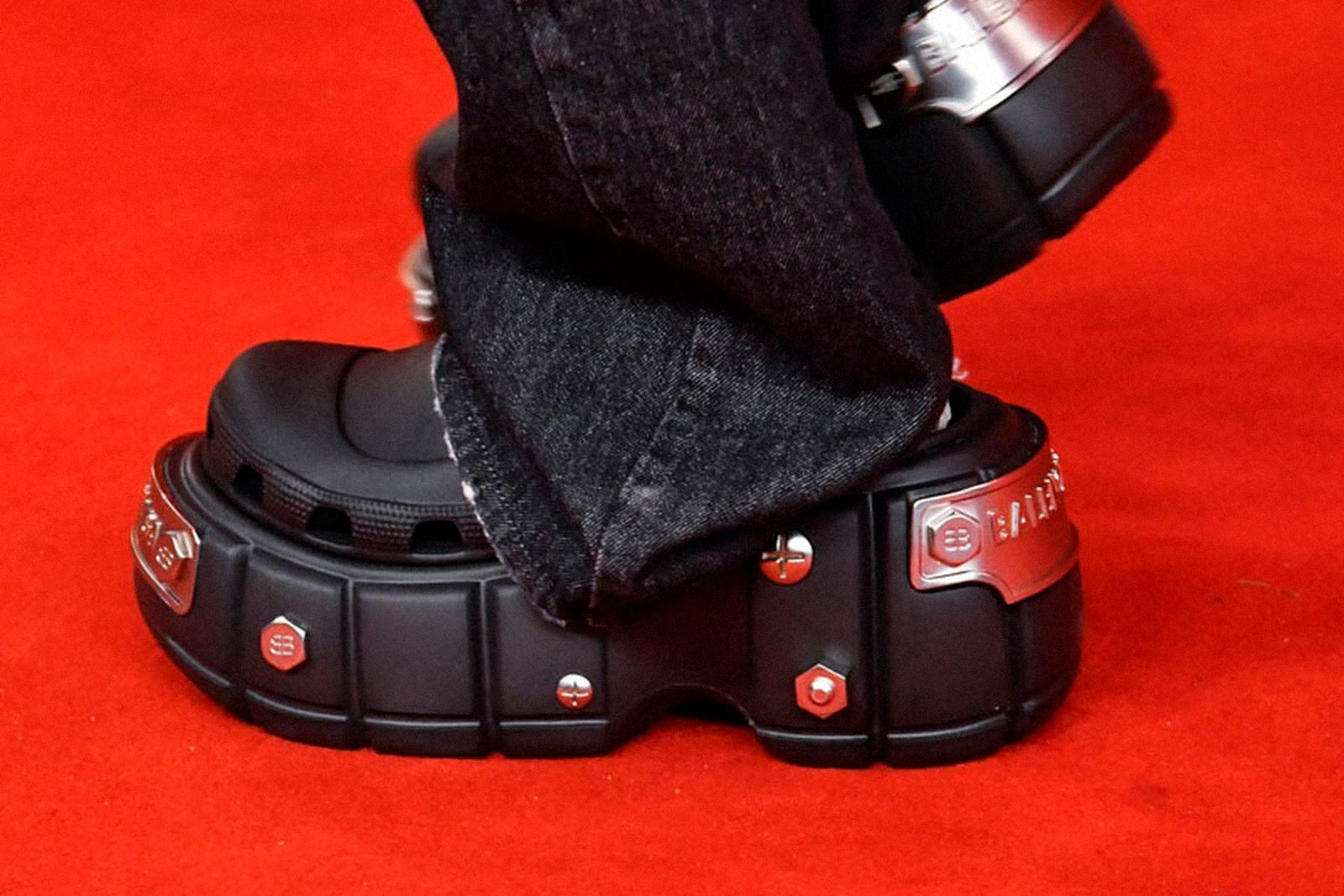 fashion-week-ss22-sneaker-roundup-01