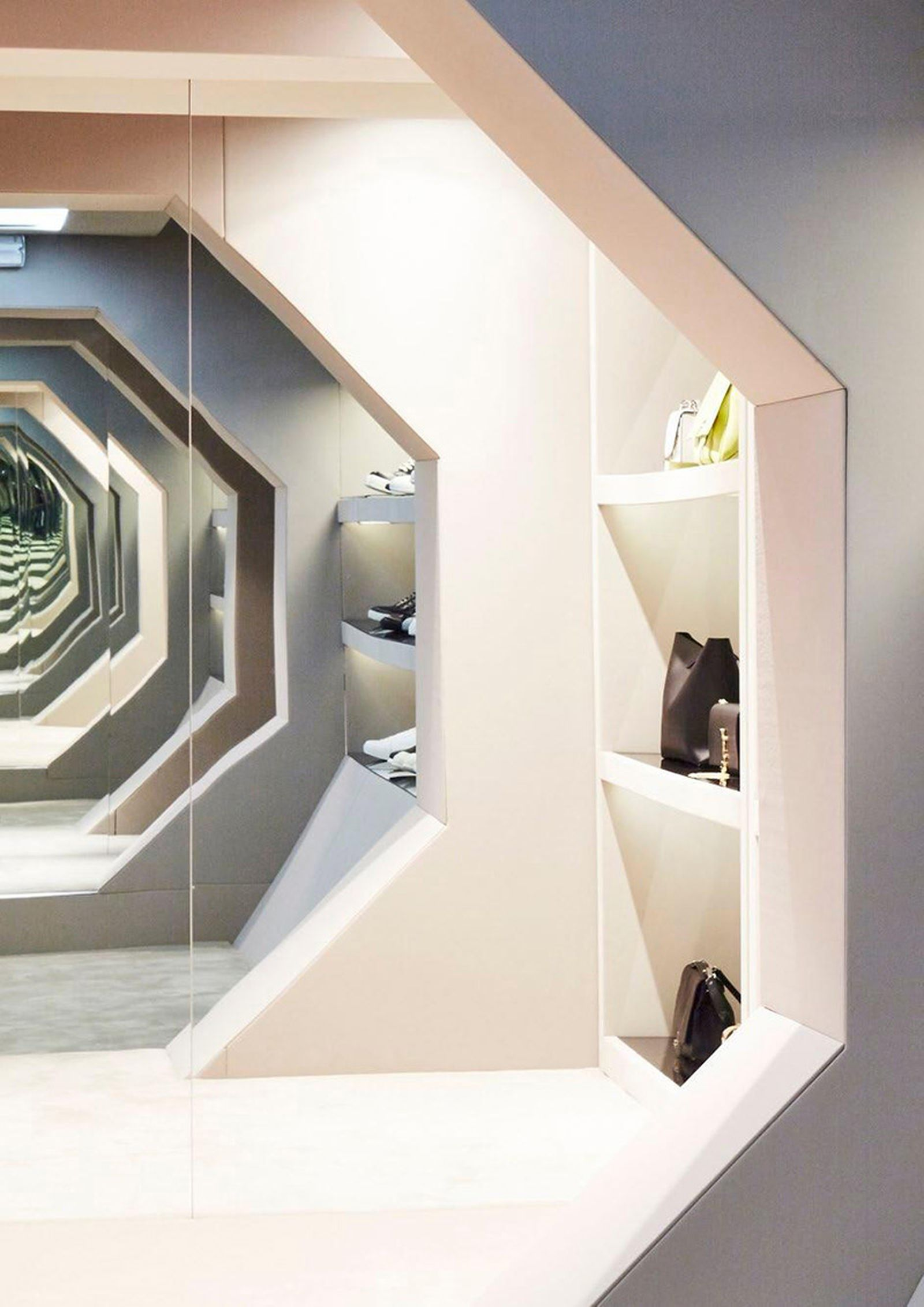 game-changers-best-store-interiors-changed-fashion-04
