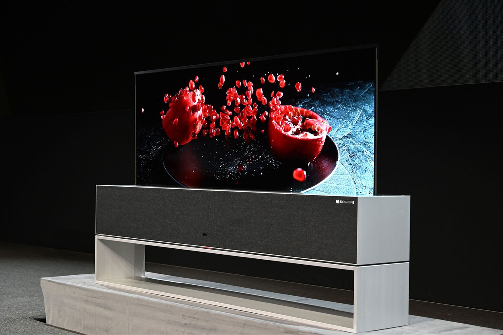 lg rollable oled tv ces2019