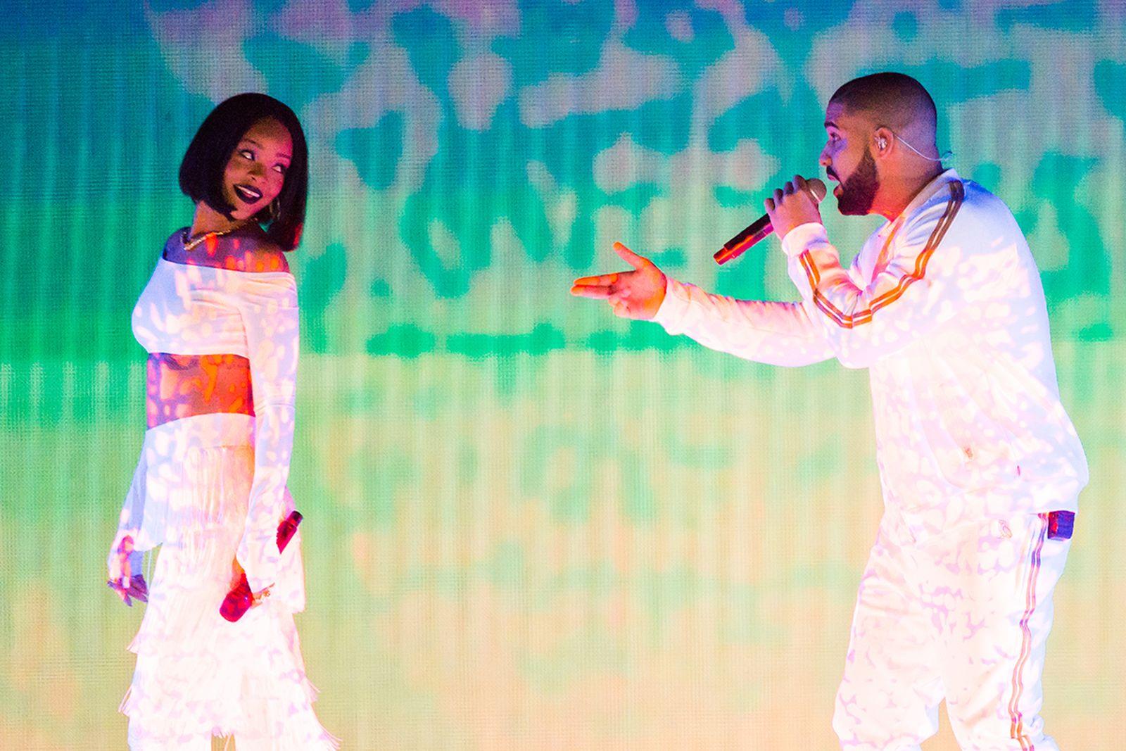 Rihanna perform with Drake at the BRIT Awards 2016