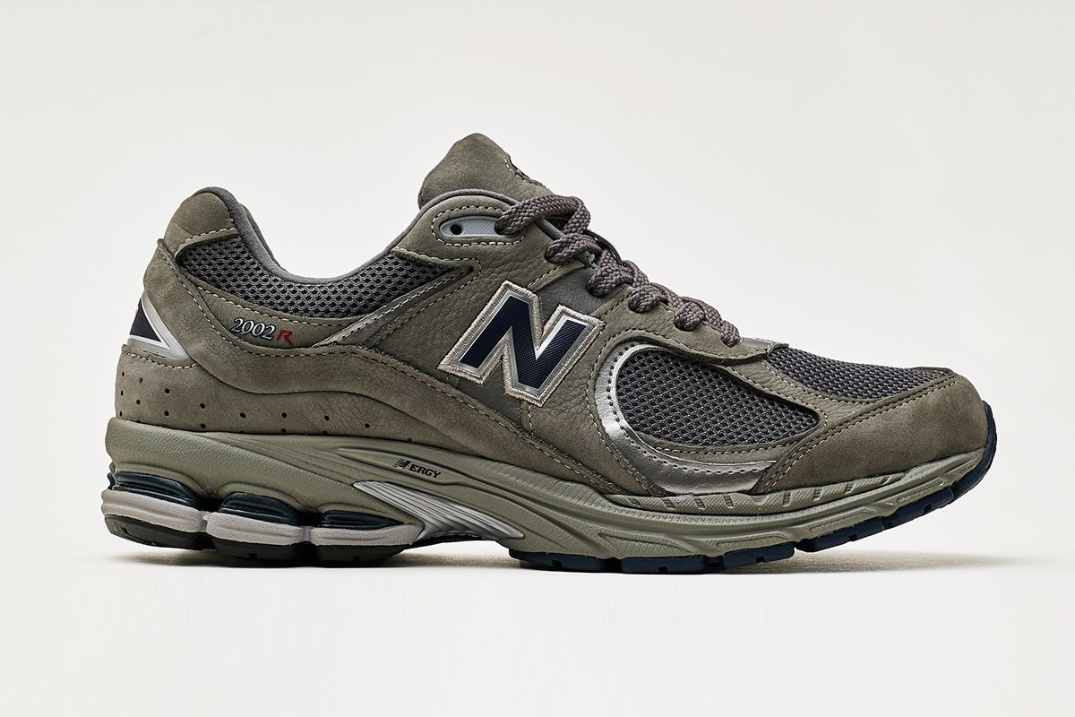 New Balance's Pinnacle of 2010 Running Tech Returns in the 2002R 3