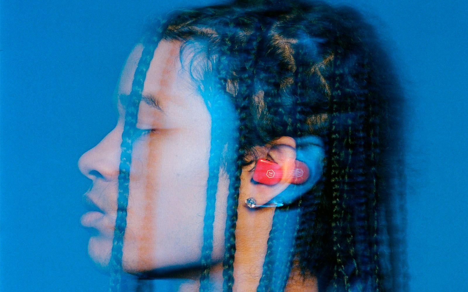 master-dynamic-wireless-earphones-full-width-header