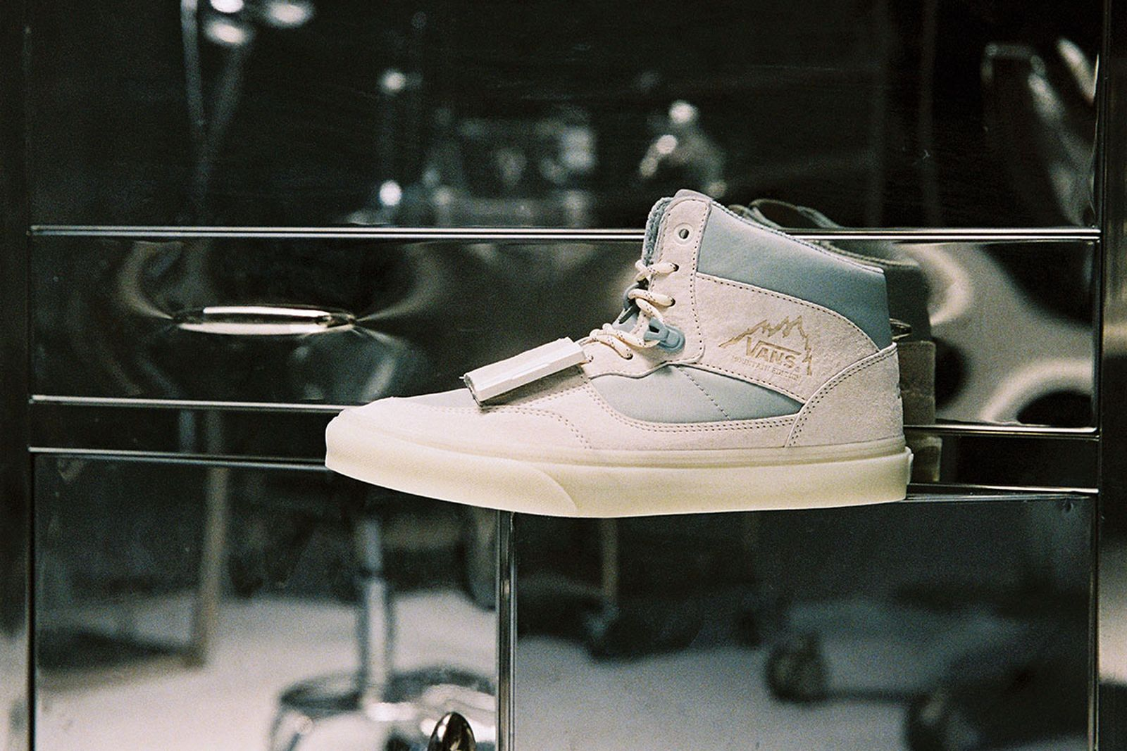 c2h4-vans-the-imagination-of-future-2-release-date-price-a-07