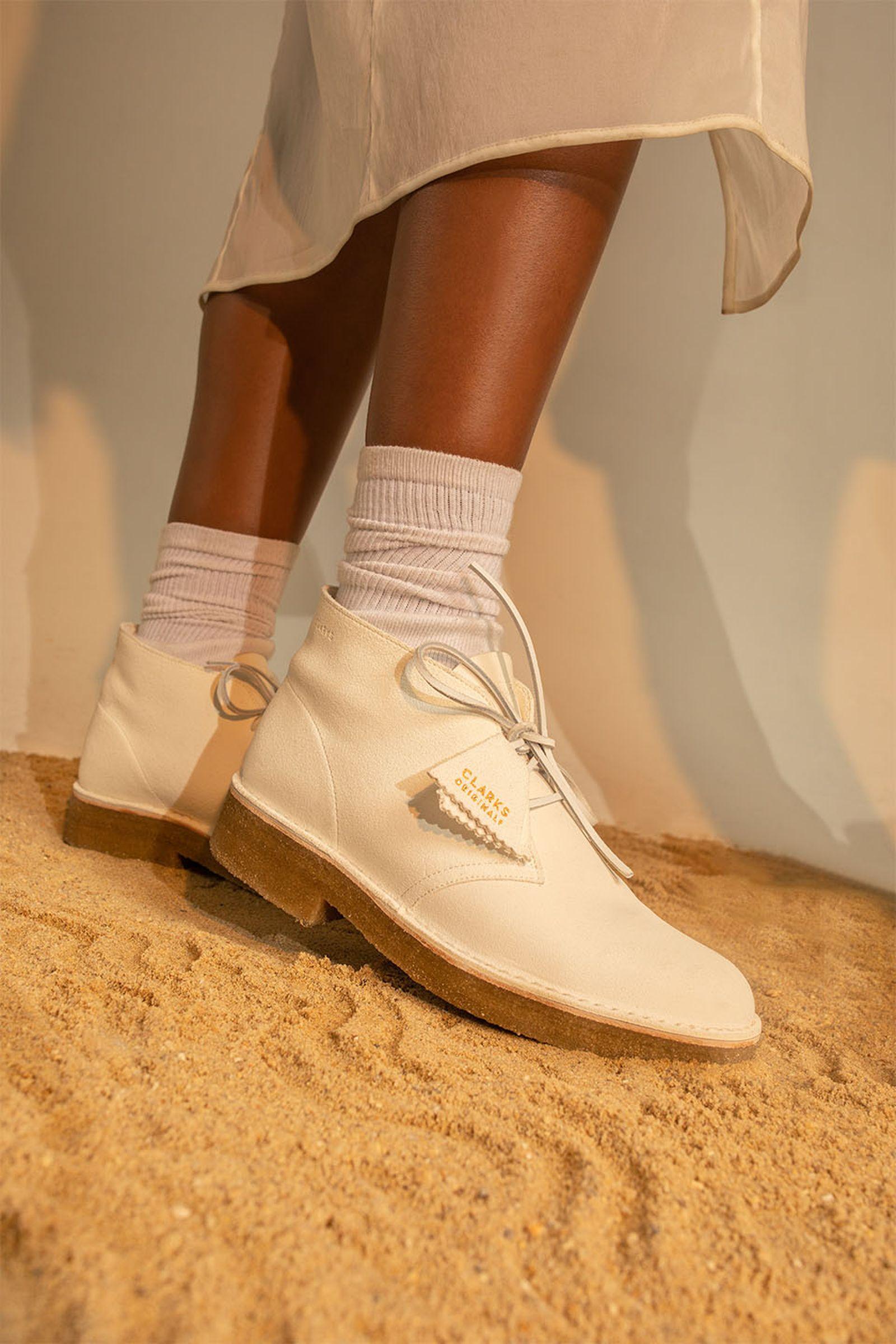 clarks-desert-boot-221-08