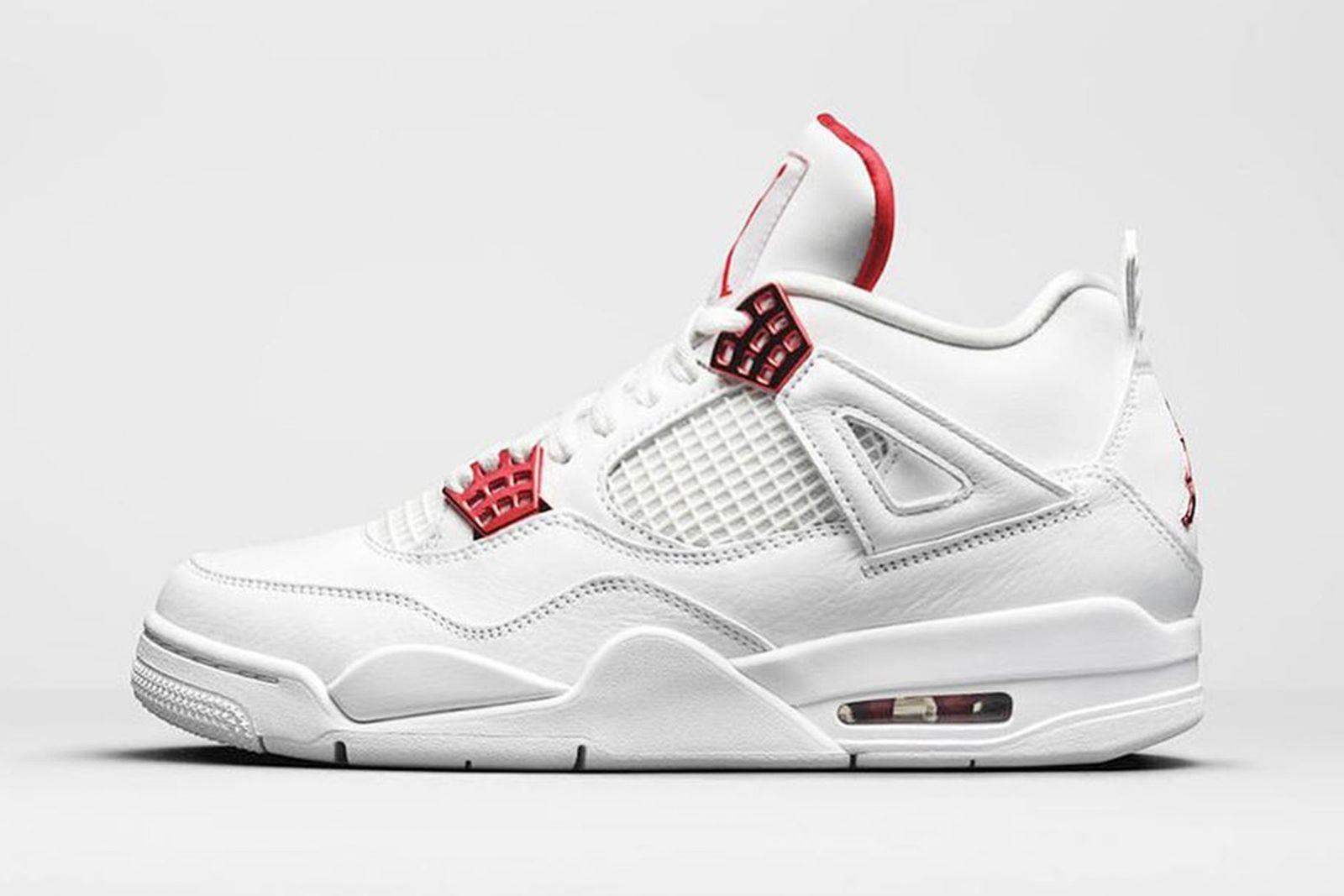 nike air jordan 4 metallic red product shot