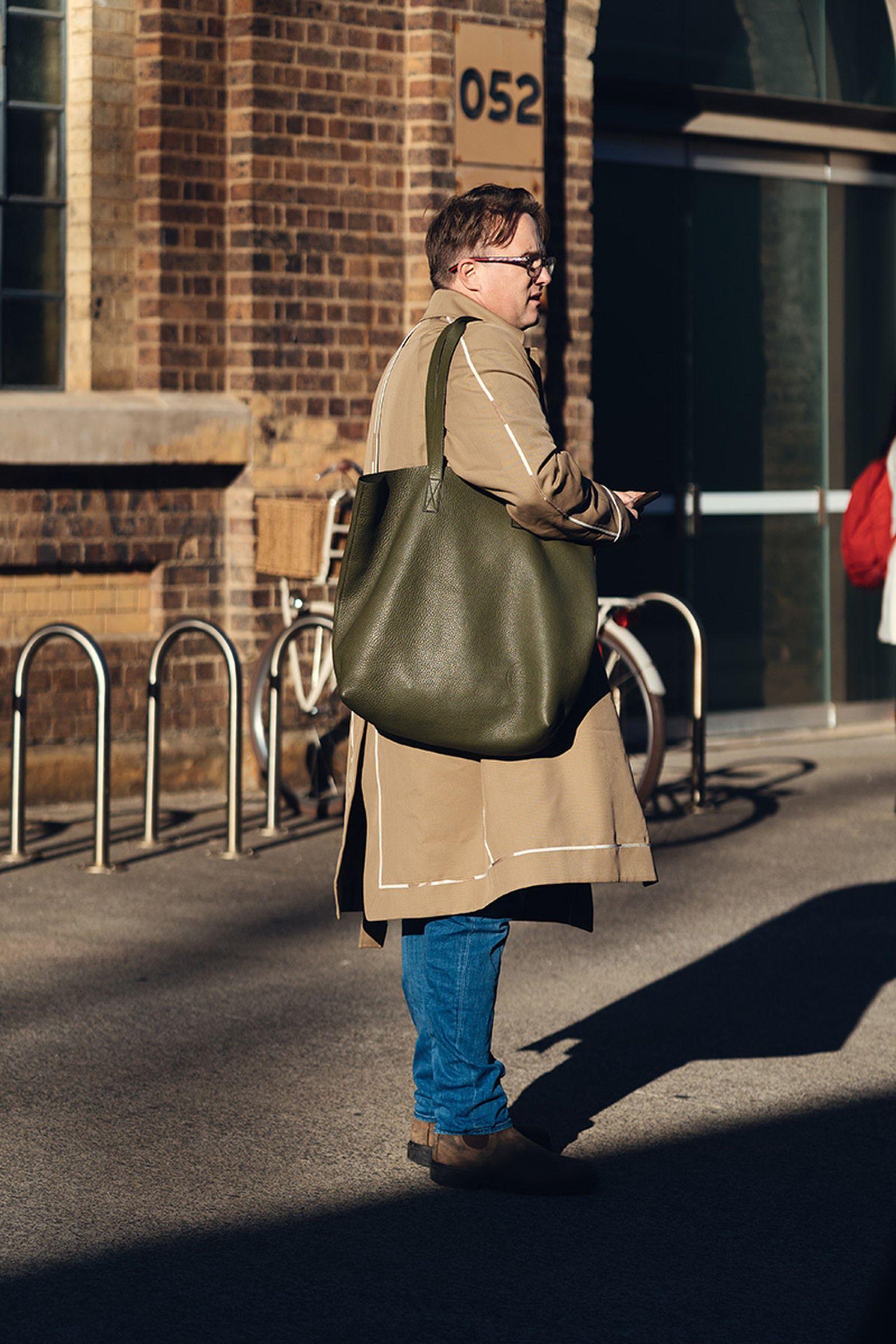australian-fashion-week-2021-street-style-01