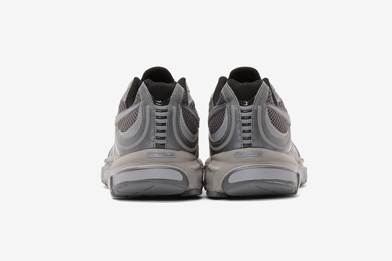 Spike Runner 200 Sneakers