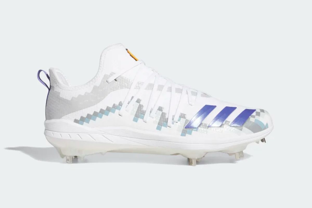 adidas Created a Snapchat Game to Release 8-BIT-Themed Baseball Cleats 4