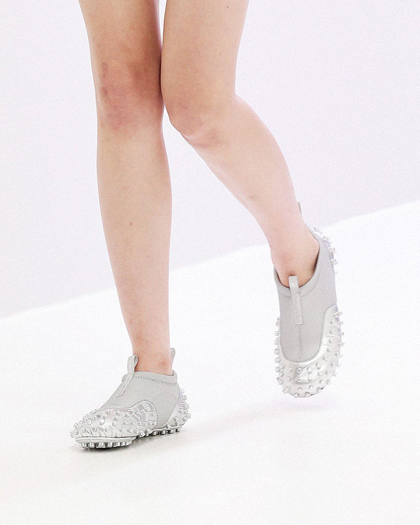 fashion-week-ss22-sneaker-roundup-10