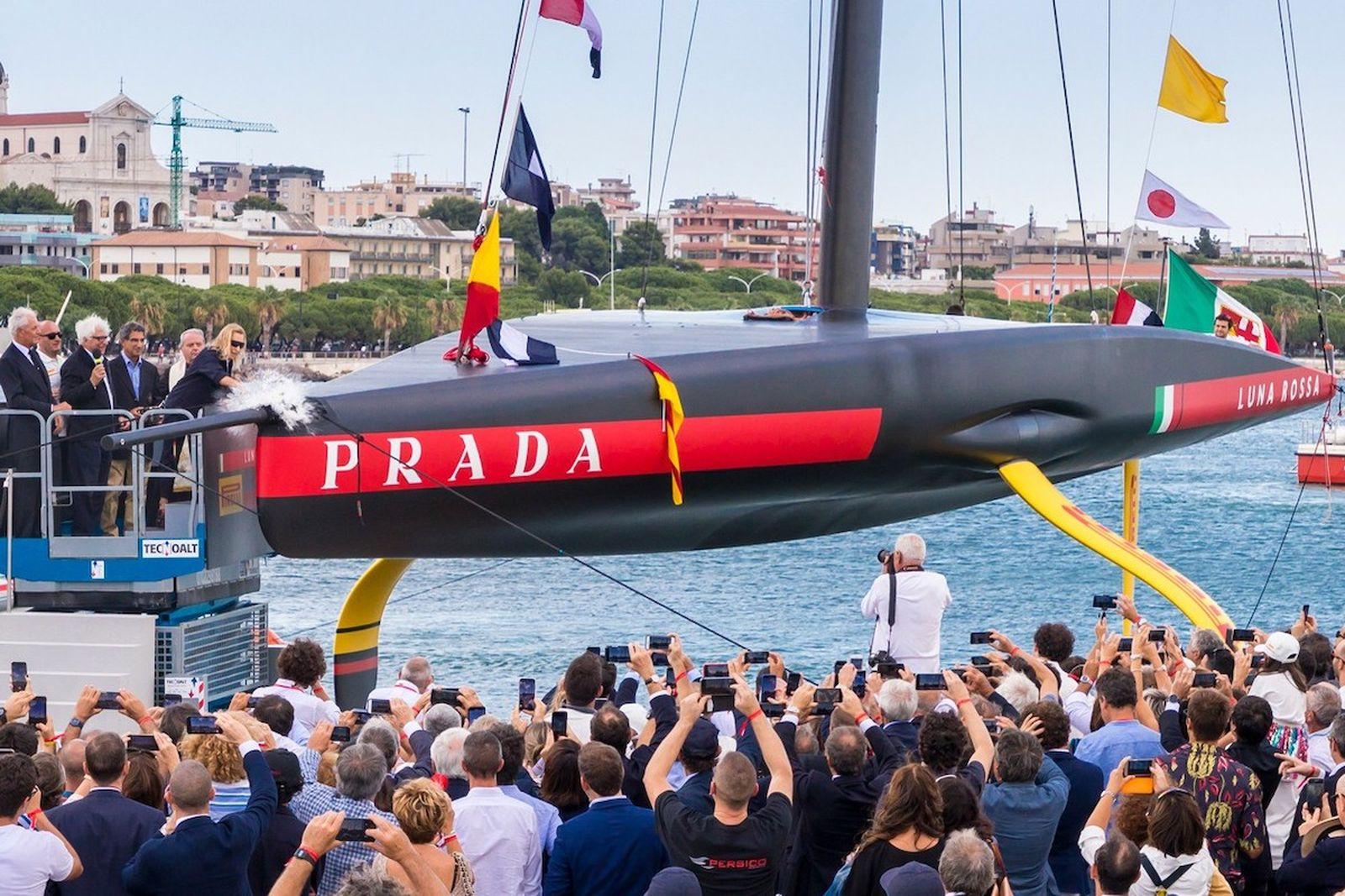 Prada Luna Rossa Boat