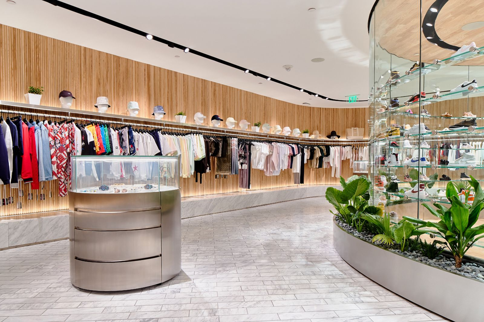 kith-hawaii-store-inside-air-force-1 (12)
