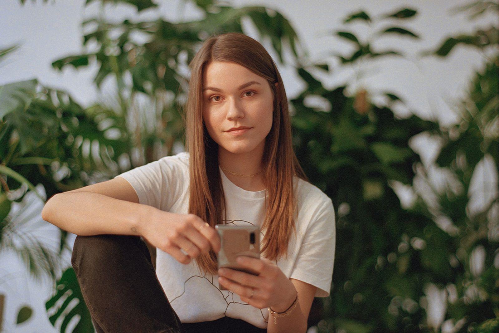billie-eilish-telekom-electronic-beats-3