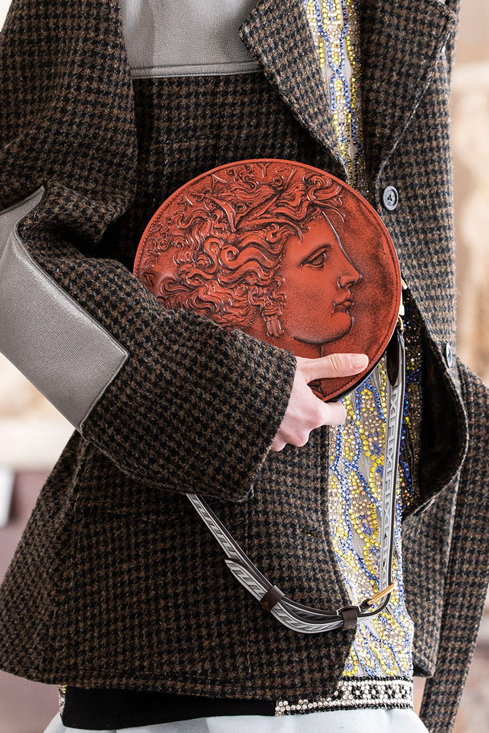 louis-vuitton-fall-winter-2021-accessories-18