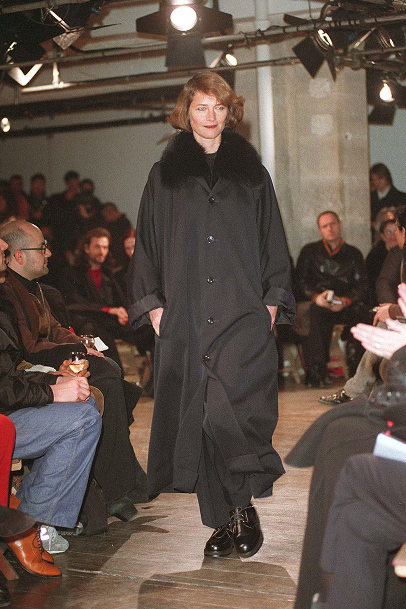 the-12-fashion-shows-that-changed-mens-fashion-yohji-1998-08